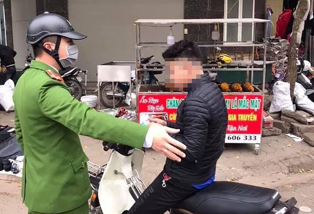 Những trường hợp không đeo khẩu trang khi ra đường sẽ bị xử phạt