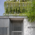 """<p> Các kiến trúc sư đã nỗ lực hết sức để tạo ra nhiều không gian sống hơn trong từng giai đoạn thiết kế, tạo<span style=""""color:rgb(0,0,0);"""">ra một khu vườn lớn hơn thay vì một vài mảng xanh nhỏ ở cửa ra vào hay trước cửa nhà.</span></p>"""