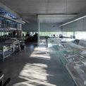<p> Các ô thoáng này được bao bọc 360 độ toàn bộ không gian làm việc, chiều cao từ các bàn làm việc 600 mm, ánh sáng được kiểm soát vừa đủ để che bớt ánh nắng chói chang, tạo tầm nhìn thoáng đãng thoải mái ra công viên.</p>