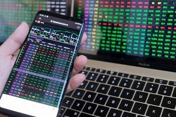Cổ phiếu ngân hàng và chứng khoán bứt phá, VN-Index tăng gần 15 điểm