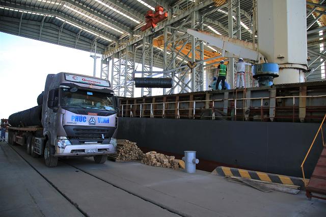 Hòa Phát tiêu thụ thép xây dựng giảm trong tháng 1, được bù đắp bởi HRC
