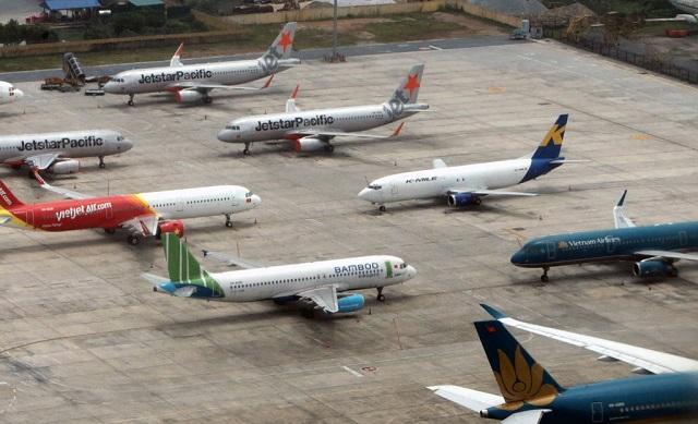 Tổng đài các hãng bay quá tải vì khách đổi, hủy vé tăng vọt