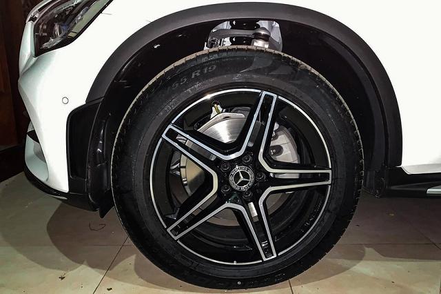 Mercedes-Benz Việt Nam nói gì về việc giảm trang bị, tăng giá bán