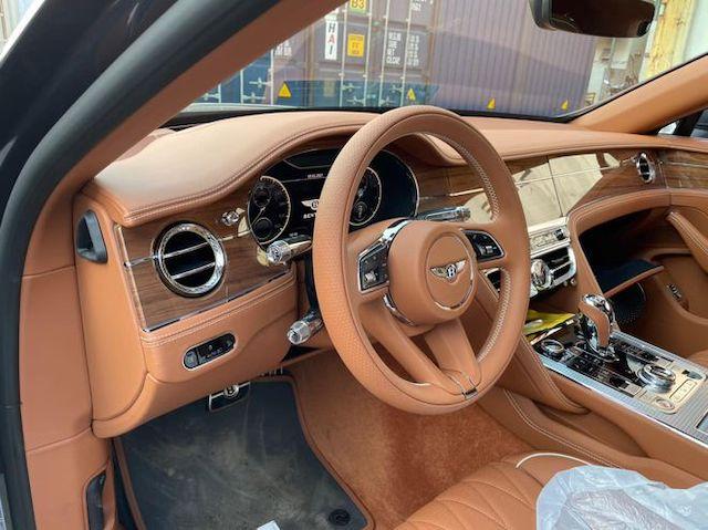 Bentley Flying Spur phiên bản 'độc' về Việt Nam đón Tết