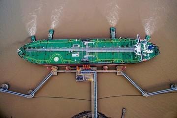 Hàng loạt siêu tàu dầu đang đổ đến Trung Quốc