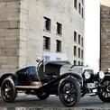 """<p class=""""Normal""""> <strong>Aston Martin (1915)</strong></p> <p class=""""Normal""""> Chiếc Aston Martin đầu tiên có tên là Coal Scuttle, ra đời vào năm 1915. Sau Coal Scuttle và Great War, 3 mẫu xe thử nghiệm khác được sản xuất nhưng không sản phẩm nào trong số này tồn tại được. Đến năm 1921, Aston Martin bắt đầu bán chiếc xe đầu tiên với động cơ 4 xi-lanh, dung tích 1.496cc. Dù vậy, công ty này chỉ bán được 69 sản phẩm rồi bị phá sản lần đầu vào năm 1925. Trong ảnh là chiếc Aston Martin lâu đời nhất còn tồn tại, hiện thuộc sở hữu của Aston Martin Heritage Trust.</p>"""