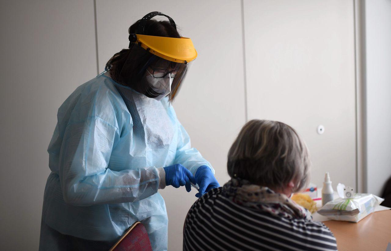 Đức phát hiện ổ dịch nhiễm biến thể mới sau khi được tiêm vaccine