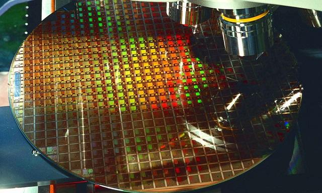 Nguy cơ khan hiếm chip lan rộng trong năm 2021