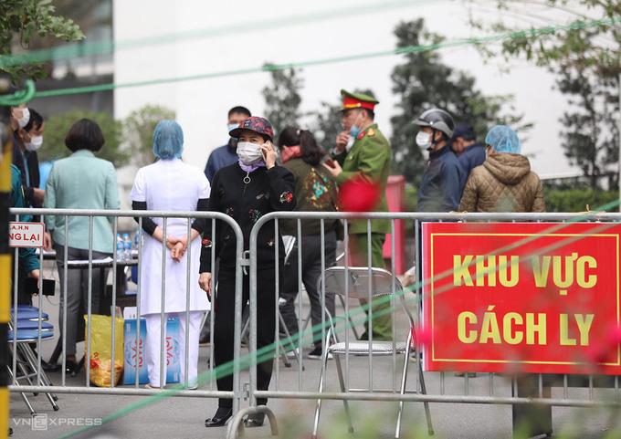 Bệnh nhân ở Nam Từ Liêm bị xử phạt 15 triệu đồng