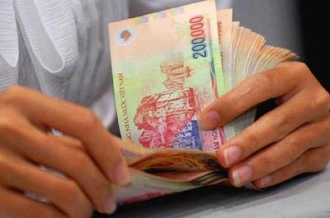 Lãi suất tiết kiệm lại giảm sát Tết