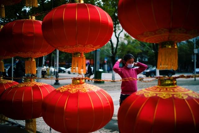 Người Trung Quốc ăn Tết tại nhà, dịch vụ kèm theo bùng nổ