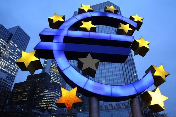 EC hạ dự báo tăng trưởng kinh tế eurozone năm 2021