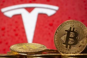 Mua xe bằng Bitcoin là câu chuyện bi hài đầy rủi ro