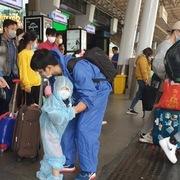 TP HCM công bố kế hoạch cách ly người trở về từ 11 tỉnh có dịch