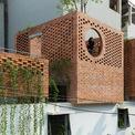 <p> VH House được ODDO Architects lấy cảm hứng từ ngôi nhà ống truyền thống, có cân nhắc các yếu tố kiến trúc đương đại phản ánh phong cách sống hiện đại.</p>