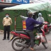 Cấp thẻ đi chợ cho người dân ở thành phố Chí Linh