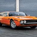 <p> <strong>Lamborghini Espada</strong>: Sau thành công ban đầu với dòng xe thể thao Miura, Lamborghini giới thiệu mẫu grand tourer Espada lạ lẫm với 2 cửa, 4 chỗ ngồi và phần đuôi mở rộng cho khoang hành lý. Dù thiết kế không được đánh giá cao, Lamborghini Espada vẫn là một chiếc xe mạnh mẽ với động cơ V12 3.9L mạnh 345 mã lực, đi cùng tùy chọn số sàn 5 cấp hoặc số tự động 3 cấp. Từ năm 1968 đến 1978, có tổng cộng 1.217 chiếc Espada được sản xuất và nó trở thành mẫu xe bán tốt nhất của Lamborghini trong giai đoạn này.</p>