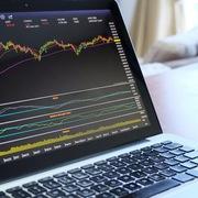 Kéo trụ cuối phiên, VN-Index tăng gần 19 điểm