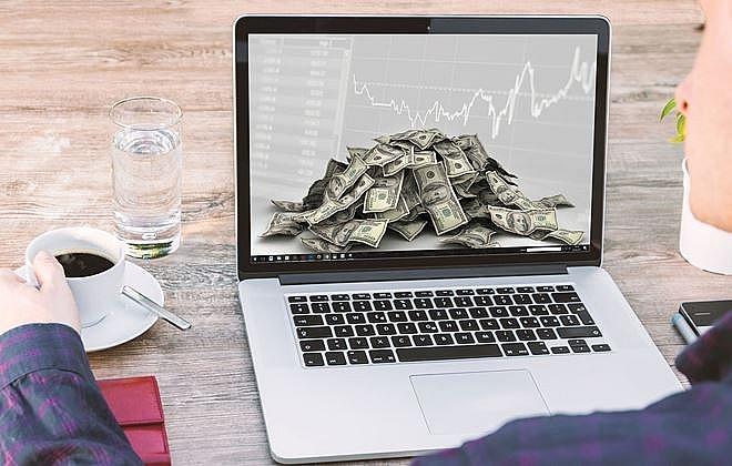 Khối ngoại bán ròng trở lại hơn 10 tỷ đồng trên HoSE trong phiên 19/2