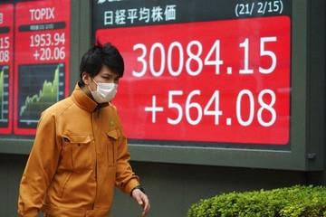 Giải mã sự thăng hoa bất thường của thị trường chứng khoán Nhật Bản