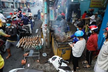 Gia đình nướng gần 4 tấn cá lóc ngày vía Thần tài