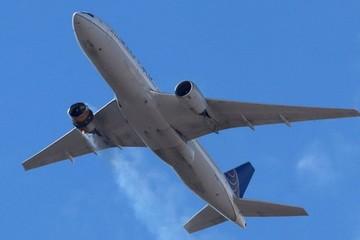 Boeing khuyến cáo ngừng bay hơn 100 máy bay 777