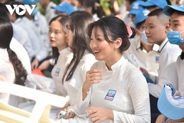 Học sinh hơn 30 tỉnh, thành trở lại trường