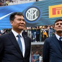 <p> Sự bùng nổ tài sản nhanh chóng của giới giàu có tại Trung Quốc cũng khiến các cự phú tại quốc gia này đổ xô vào đầu tư thể thao. Năm 2016, tỷ phú Zhang Jindong, nhà sáng lập hãng sản xuất thiết bị gia dụng Suning Appliance Group, đã chi 306 triệu USD mua lại phần lớn cổ phần kiểm soát của câu lạc bộ bóng đá Italy Inter Milan. Một tỷ phú khác là ông trùm bất động sản Gao Jisheng cũng mua lại đội Southampton của giải Ngoại hạng Anh với giá 257 triệu USD một năm sau đó. Ảnh: <em>Getty Images.</em></p>