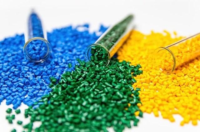 Xuất khẩu chất dẻo nguyên liệu sang Australia tăng hơn 900%.