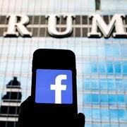 Trump yêu cầu Facebook mở lại tài khoản