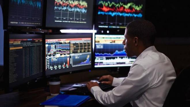 Khối ngoại bán ròng 4 phiên liên tiếp trên HoSE với giá trị hơn 1.900 tỷ đồng