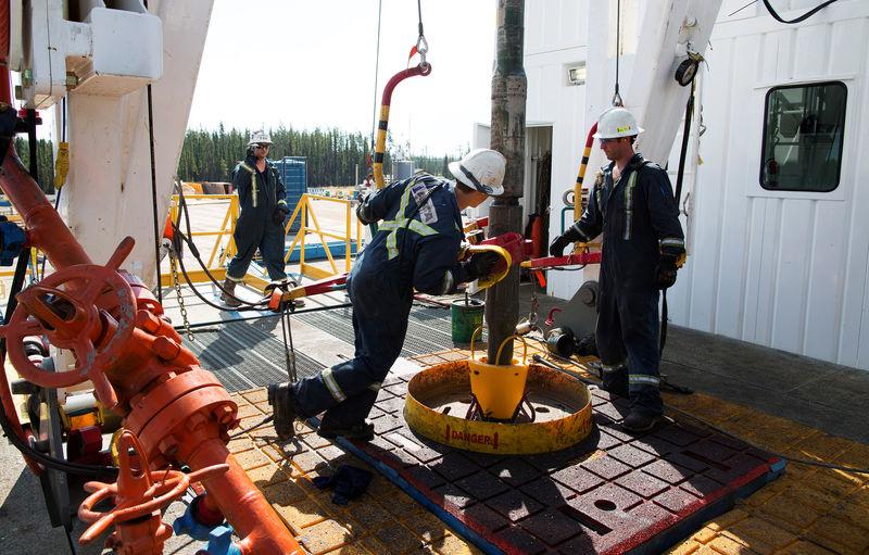 Bất ổn hậu bão mùa đông ở Mỹ, giá dầu trái chiều