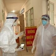Sáng 24/2: Thêm 2 ca nhiễm Covid-19, 43 người khỏi bệnh