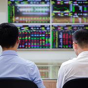 VN-Index giảm gần 16 điểm, HoSE tiếp tục xảy ra tình trạng 'nghẽn' lệnh