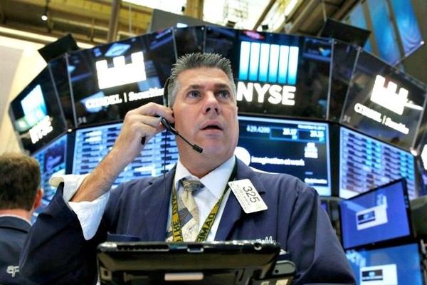 Lợi suất trái phiếu chính phủ Mỹ lên đỉnh 1 năm, Phố Wall bị bán tháo mạnh