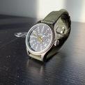 <p> Mỏng và nhẹ là những ưu điểm của Timex Men's Expedition Scout 40 Watch. Mẫu đồng hồ vỏ thép có giá 42 USD. Bên cạnh đó, thiết kế được trang bị đèn indiglo, kim phát quang và dây đeo bằng vải hoặc da. Mẫu phụ kiện có khả năng chống nước 50 m, đường kính 40 mm. Tuy nhiên, tiếng tích tắc phát ra từ Men's Expedition Scout 40 Watch là điều khiến người mua cảm thấy phiền toái. Ảnh: <em>The Brooks Review.</em></p>