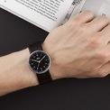<p> Sự phổ biến của chủ nghĩa tối giản giúp Braun BN0021BKBKG thêm phần nổi tiếng. Thiết kế có mặt số màu đen, dây đeo bằng da thanh lịch. Mẫu đồng hồ trị giá 70 USD được trang bị bộ máy của Nhật Bản với khả năng chống nước 50 m. Ảnh: <em>Pinterest.</em></p>