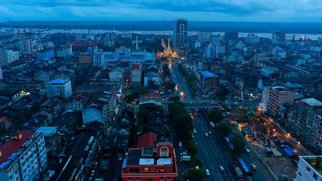 Bất ổn chính trị đe dọa đến kinh tế Myanmar. Ảnh: Reuters.