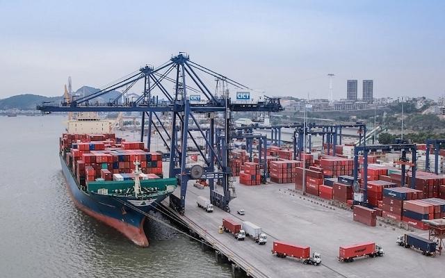 Tổng cục Thống kê thông tin xuất khẩu tháng 2 ước đạt 20 tỷ USD, giảm gần 30%Ảnh: Kinh tế & Môi trường.