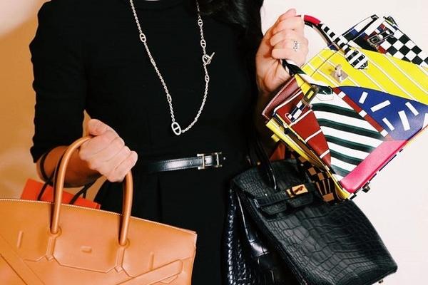 Cô gái kiếm tiền bằng cách giúp giới nhà giàu bán lại túi Hermès giá cao