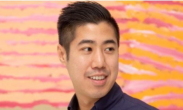 Chàng trai gốc Việt bỏ việc ổn định ở ngân hàng, mạo hiểm kinh doanh ở tuổi 24: 'Nới lỏng' để thành triệu phú!