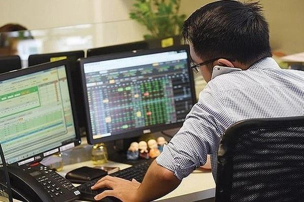 Tình trạng 'nghẽn lệnh' tiếp tục diễn ra, VN-Index tăng điểm nhẹ