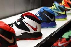 Bê bối chấn động ở Nike: Phó chủ tịch khu vực Bắc Mỹ phải từ chức vì nghi vấn tuồn hàng cho con trai bán kiếm lời