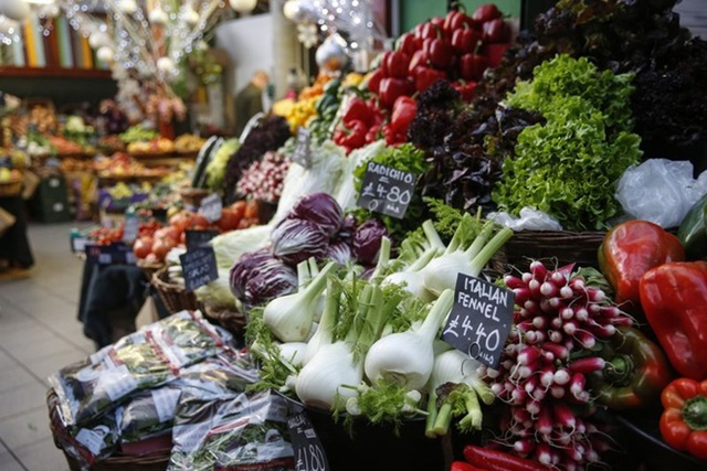 Giá thực phẩm tăng nhanh hơn thu nhập
