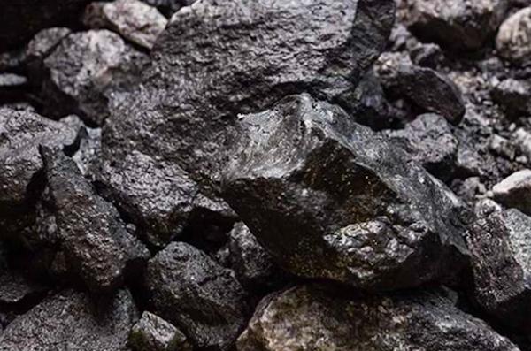 Tại sao giá quặng sắt liên tục tăng cao?