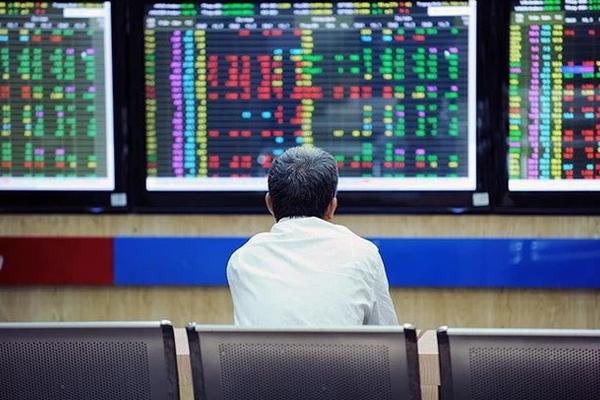 Khó cho nhà đầu tư: 'Đi lệnh' tính bằng cây vàng nếu nâng lô cổ phiếu tối thiểu lên 1.000