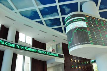 Nghẽn lệnh trên HoSE, giao dịch trên HNX, UPCoM đạt kỷ lục