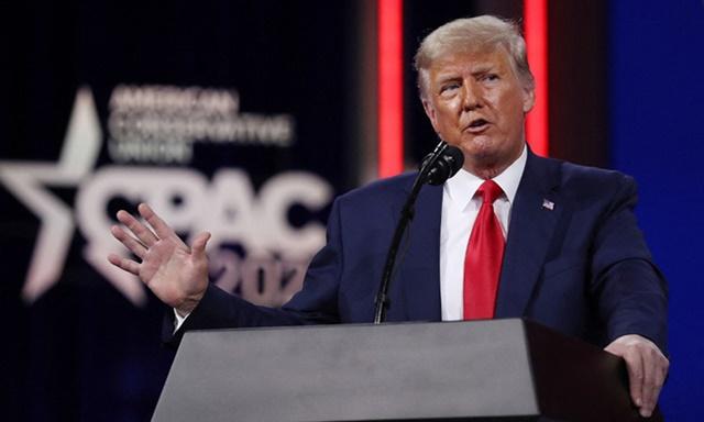 Cựu tổng thống Mỹ Donald Trump phát biểu tại CPAC ở Florida hôm 28/2. Ảnh: AFP.