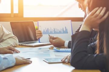 Khối ngoại tiếp tục bán ròng hơn 3.000 tỷ đồng trong tuần đầu tháng 3, 'xả' mạnh cổ phiếu bluechip