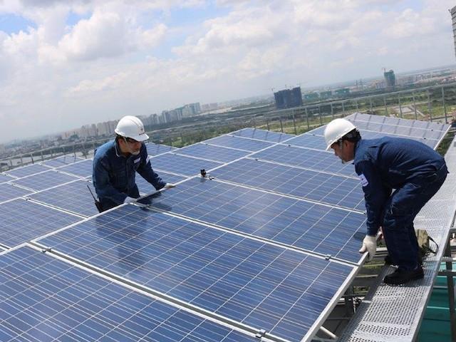 Lâm Đồng tăng cường việc thanh kiểm tra dự án điện mặt trời mái nhà. Ảnh